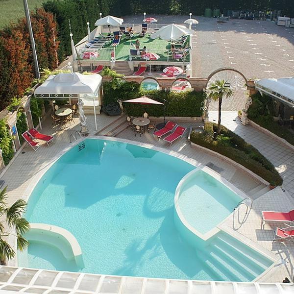 piscina-1-min