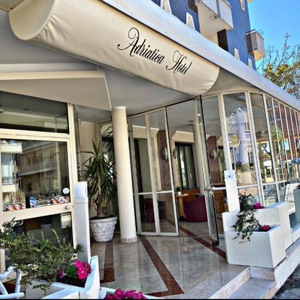 Ingresso-hotel-adriatica_1